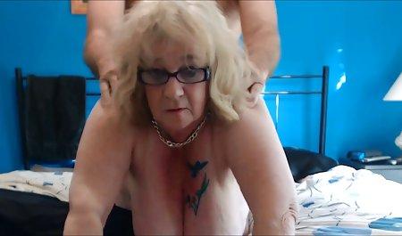 Уэхара використовує іграшку, щоб задовольнити її киска, в дивитися красиве порно онлайн той час як смоктати член
