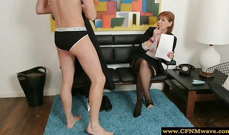 Чудова порнозірка, грудаста порно в красивих трусиках підліток